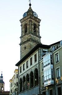 Torre y pórtico de la iglesia de San Vicente Mártir, Vitoria