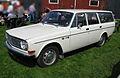 Volvo 145 white.jpg