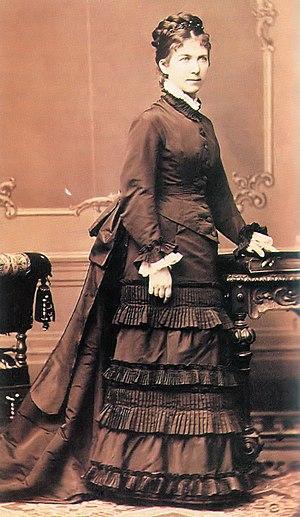 Ilona Vörösmarty - Photo taken by Ede Ellinger in 1875