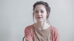 Bestand:WIKITONGUES- Eva speaking Dutch.webm
