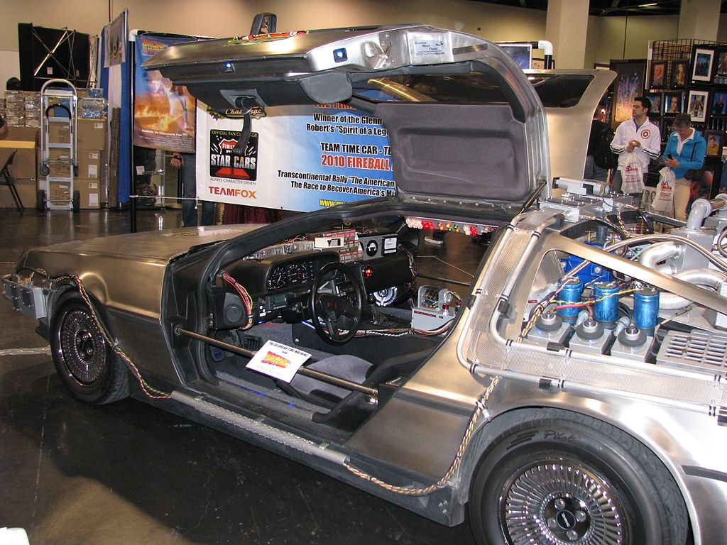 File:WWA 2010 - DeLorean (4536039691).jpg - Wikimedia Commons