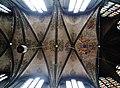 Walcourt Basilique St. Materne Innen Chorgewölbe.jpg