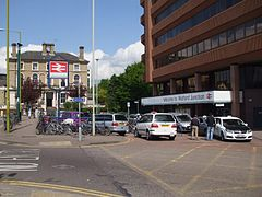 Watford Junction stn entrance.JPG