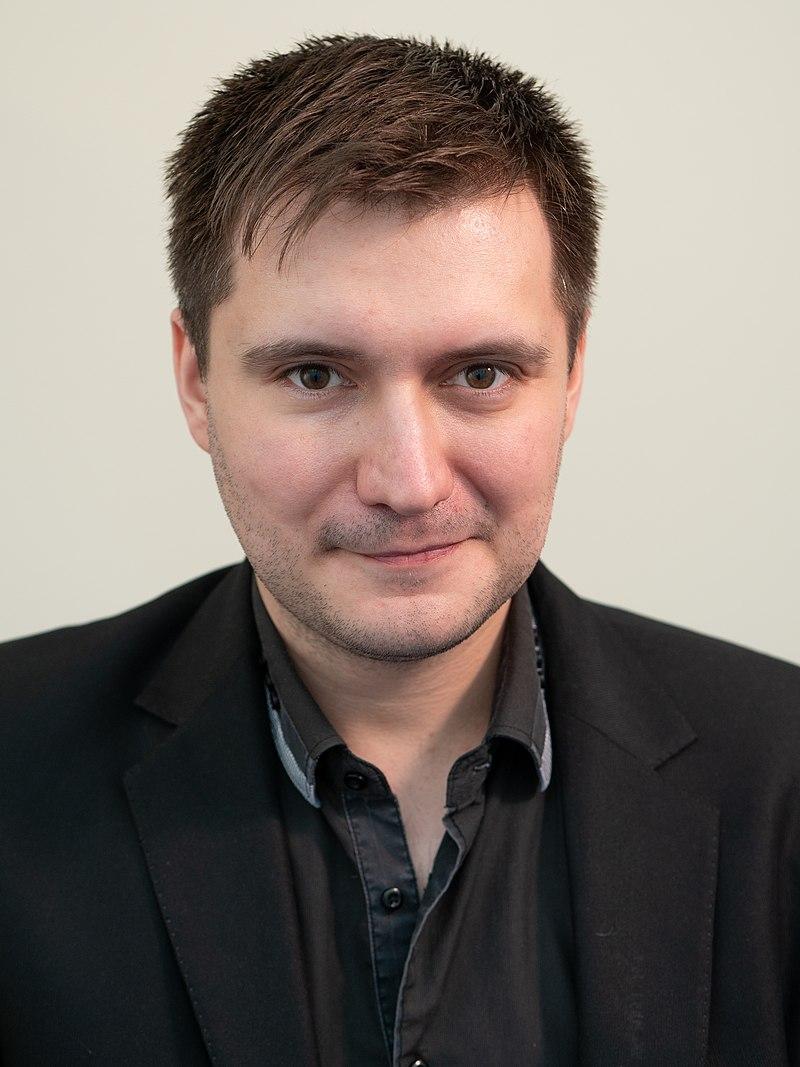 Олег Абарников