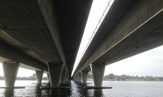Goongoongup Bridge - Looking east, Windan Bridge is on the left and Goongoongup Bridge on the right
