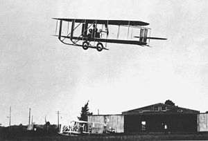 Wright Model E, quarter view inflight, Simms Station near Dayton, Ohio, 1913. (10479 A.S.).jpg