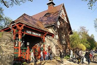 Wrocław Zoo - Image: Wrocławskie ZOO Wejście od Odry fot B Maliszewska
