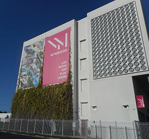 Wynwood - Westward view of Wynwood business association banner.