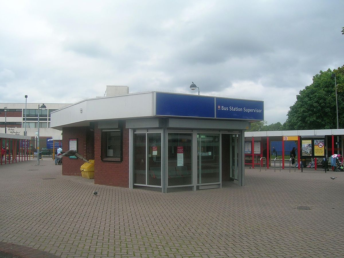 Wythenshawe bus station - Wikipedia