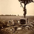 Zerstörte Fahrzeuge 1940.jpg