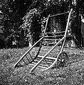 """""""Šatrga za frišnu prpelat"""" (ročni voz za seno); dolžina 2,43m, širina 1,10m. Lastnik pri Lesniku, Male Lašče 1960.jpg"""