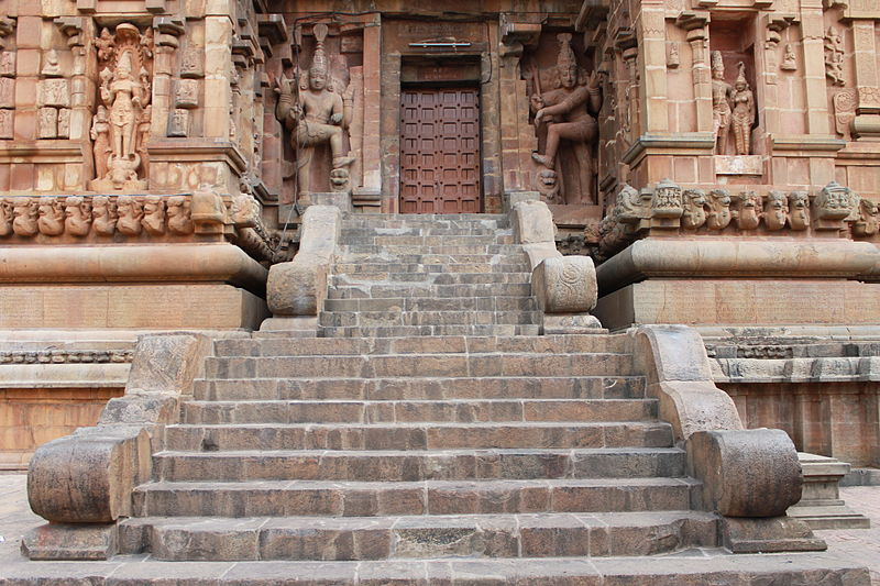 "File:""Amazing Steps in Brihadisvara Temple"".JPG"