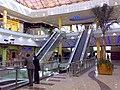 Águilas Plaza - Escaleras mecánicas de la entrada.jpg