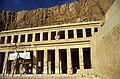 Ägypten 1999 (369) Theben West- Totentempel der Hatschepsut (28626025453).jpg