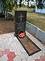 Братська могила у селі Кіровка, недавнє перепоховання воїнів.JPG