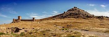 La forteresse gênoise de Soudak, en Crimée. (définition réelle 6307×2165)