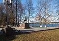 Памятник Чайковскому П.И. на набережной Воткинского пруда.jpg