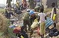 ジュバ市ナバリ地区コミュニティ道路 整備準備作業(ゴミ拾い) IMGP2487 R 国際平和協力活動等(及び防衛協力等) 6.jpg