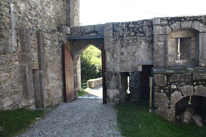 File:003. Château de Miolans.JPG