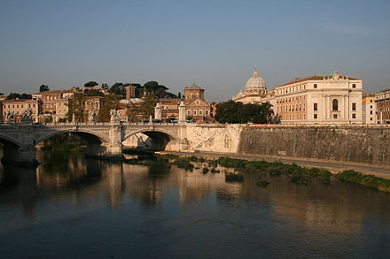 View of the Tiber looking towards Vatican City 0 Tibre - Pont Vittorio Emanuele II - San Spirito in Sassia - St-Pierre (Vatican).jpg