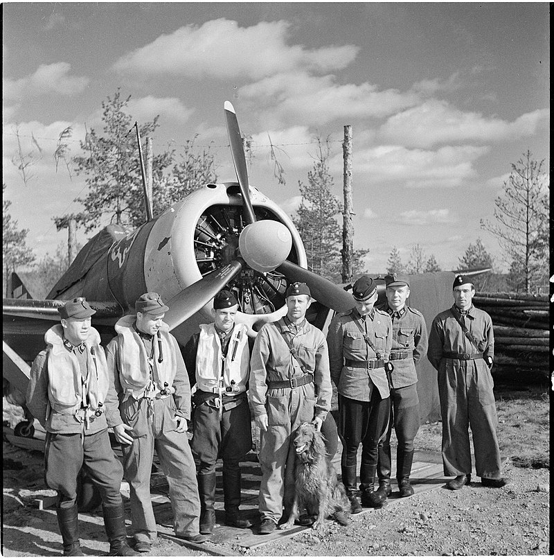 3/24.Squadron at Suulajärvi AFB, summer 1942, Sgt. E Lyly 1st from right