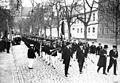 17. mai-komitéen leder an foran Bispehaugens Ungdomskorps og Borgertoget (1933).jpg