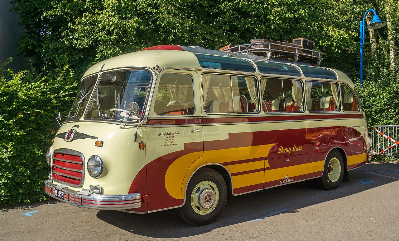 File:1956 Setra S6 Bus, Vintage Cars & Bikes Steinfort 01