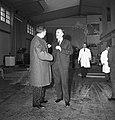 1963 Visite de Mrs Georges Pompidou et Edgard Pisani au CNRZ-11-cliche Jean Joseph Weber.jpg