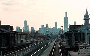 Homan station (CTA Green Line) - Image: 19960512 02 CTA Green Line L @ Homan Ave