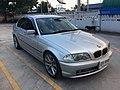 2000-2001 BMW 320i (E46) Sedan (27-10-2017) 01.jpg