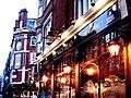2006-01-01 - London - Pub (4888561064).jpg