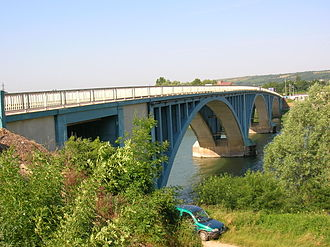 Saône - Bridge over the Saône at Tournus