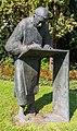 2013-09-24 Caesarius-Bronzestatue (1991) von Ernemann Sander, Cäsariusstraße-Heisterbacher Straße, Königswinter-Oberdollendorf IMG 1018.jpg