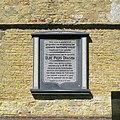 20140530 Gedenksteen Ulbe Piers Draisma (Kerk van Achlum) Fr NL.jpg