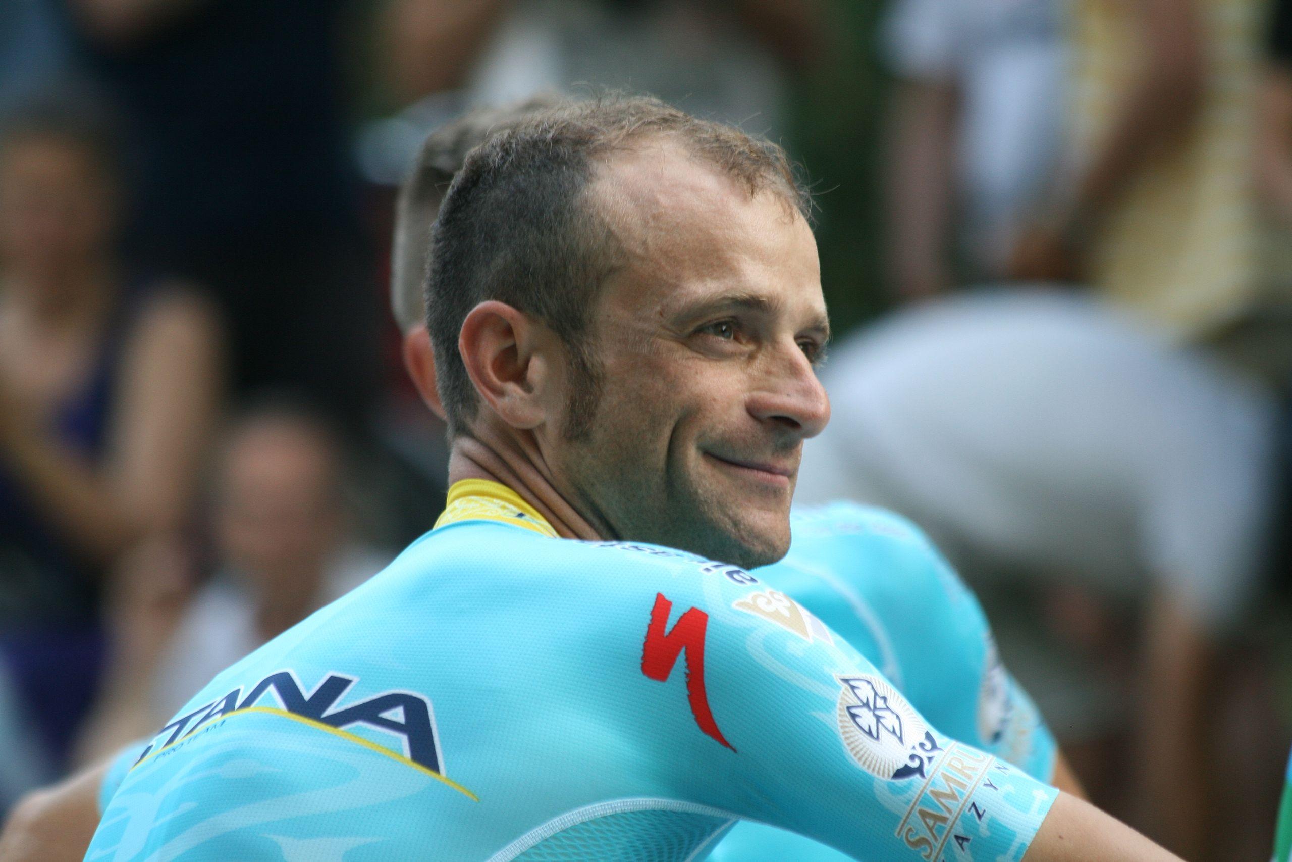 Ciclismo, muore Michele Scarponi travolto da furgone