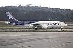 787-8 LATAM SBGR (35015700393).jpg