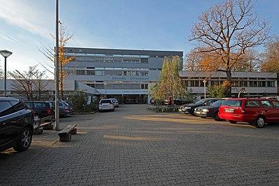 Aachen 11-11 Robert-Schuman-Strasse EinhardGymnasium.jpg