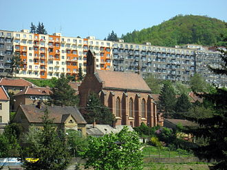 Adamov (Blansko District) - Image: Adamov, kostel a paneláky