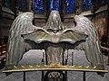 Adlerpult mit Fledermaus.jpg
