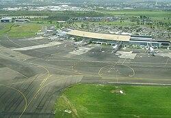 Aeroport Aime Cesaire.jpg