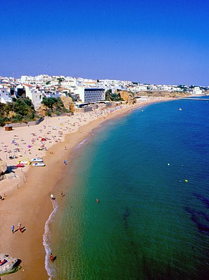 English: Beach in Albufeira
