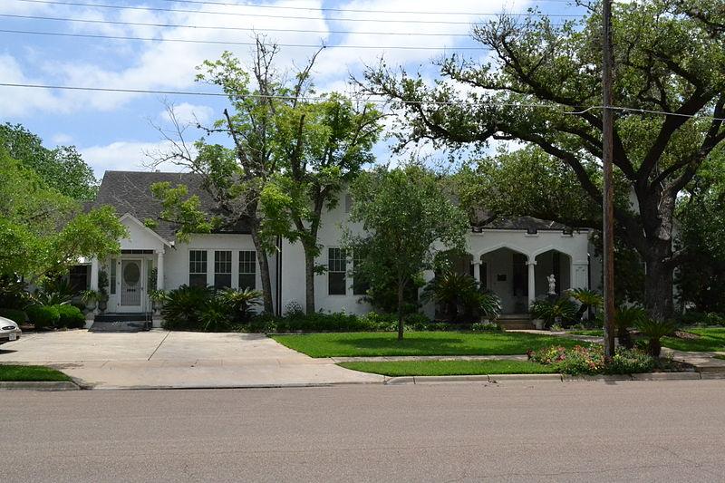 File:Alfred Friar House, Cuero, Texas.JPG