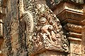 Angkor-Banteay Srei-30-Loewe-2007-gje.jpg