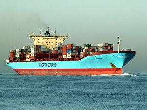 Anna Maersk IMO 9260421 approaching Port of Rotterdam, Holland 24-Jan-2006.jpg