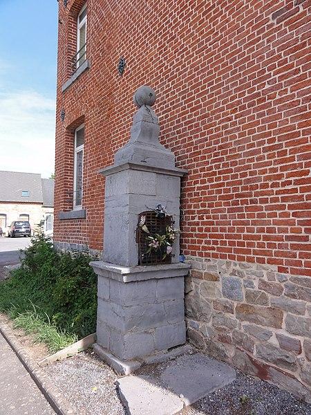 Anor (Nord, Fr) chapelle St.Donat, Résidence du Fort du coté de rue Général de Gaulle. (circuit chapelles).