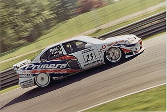 Anthony Reid - Reid driving for Nissan in the 1998 British Touring Car Championship
