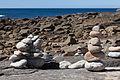 Apilamentos de pedras realizado polos visitantes ao Castro de Baroña. Porto do Son. Galiza 315.jpg