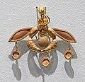 Archaeological Museum of Heraklion – Bee pendant.jpg
