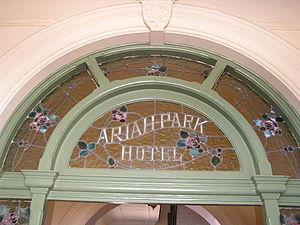 Leadlight - Image: Ariah Park Hotel Leadlight