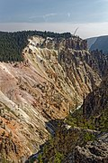 Artist Point view of Yellowstone Canyon 08.jpg